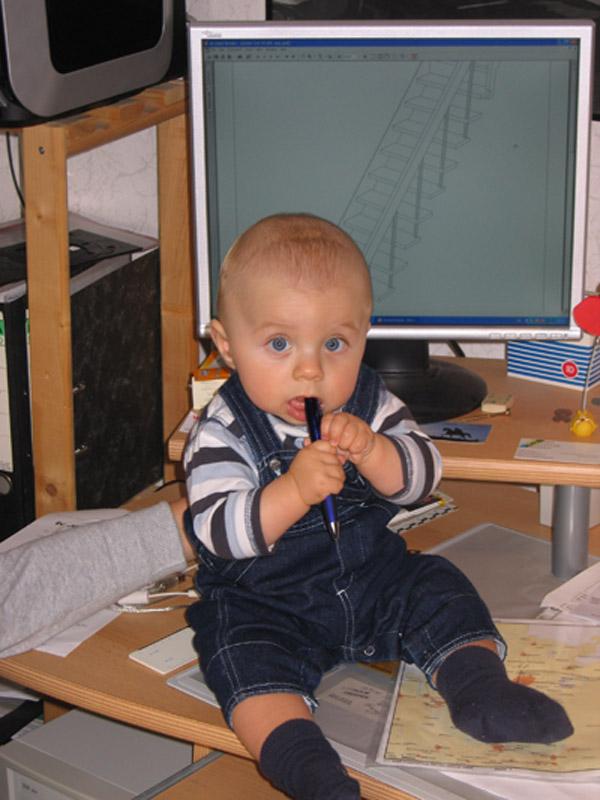 Der Junior-Chef beim Entwurf einer Designertreppe.